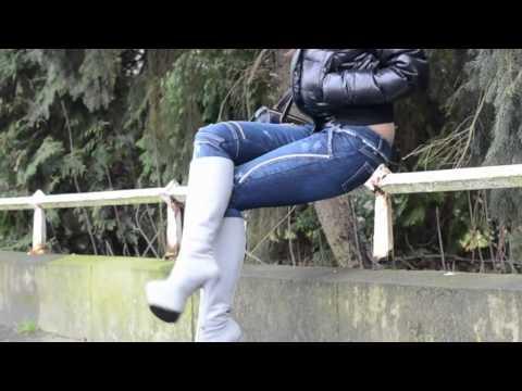 Julie skyhigh Jeans fetish & 1969 bootfetish & moncler & smoking!из YouTube · Длительность: 56 с