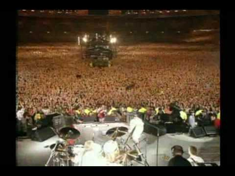 Queen Feat. Axl Rose – We Will Rock You