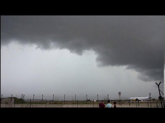 Tempesta arribant a l'aeroport del Prat - Juliol 2017
