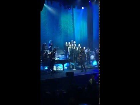 Derek Taylor Public School students perform with Johnny Reid
