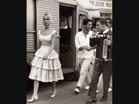 Brigitte Bardot Style and Fashion - YouTube