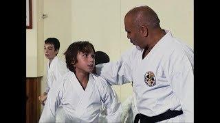 Arka Sokaklar - Tekin Karate Kursunda Kızlardan Dayak Yedi