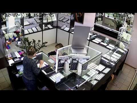 Вор обокрал ювелирный магазин в Сортавала