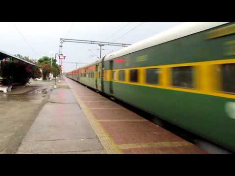 22410 Gaya Garib Rath hits mps at vindhyachal