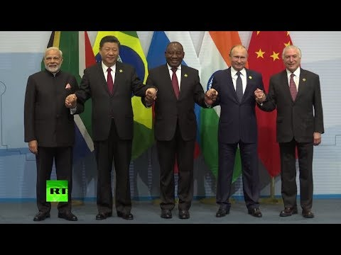 Say cheese: BRICS members family photo op in South Africa