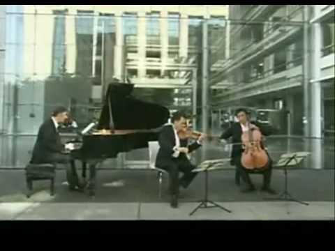 Olivier Charlier,  Sung-won Yang, Emmanuel Strosser, Schubert trio n° 2 Andante con molto