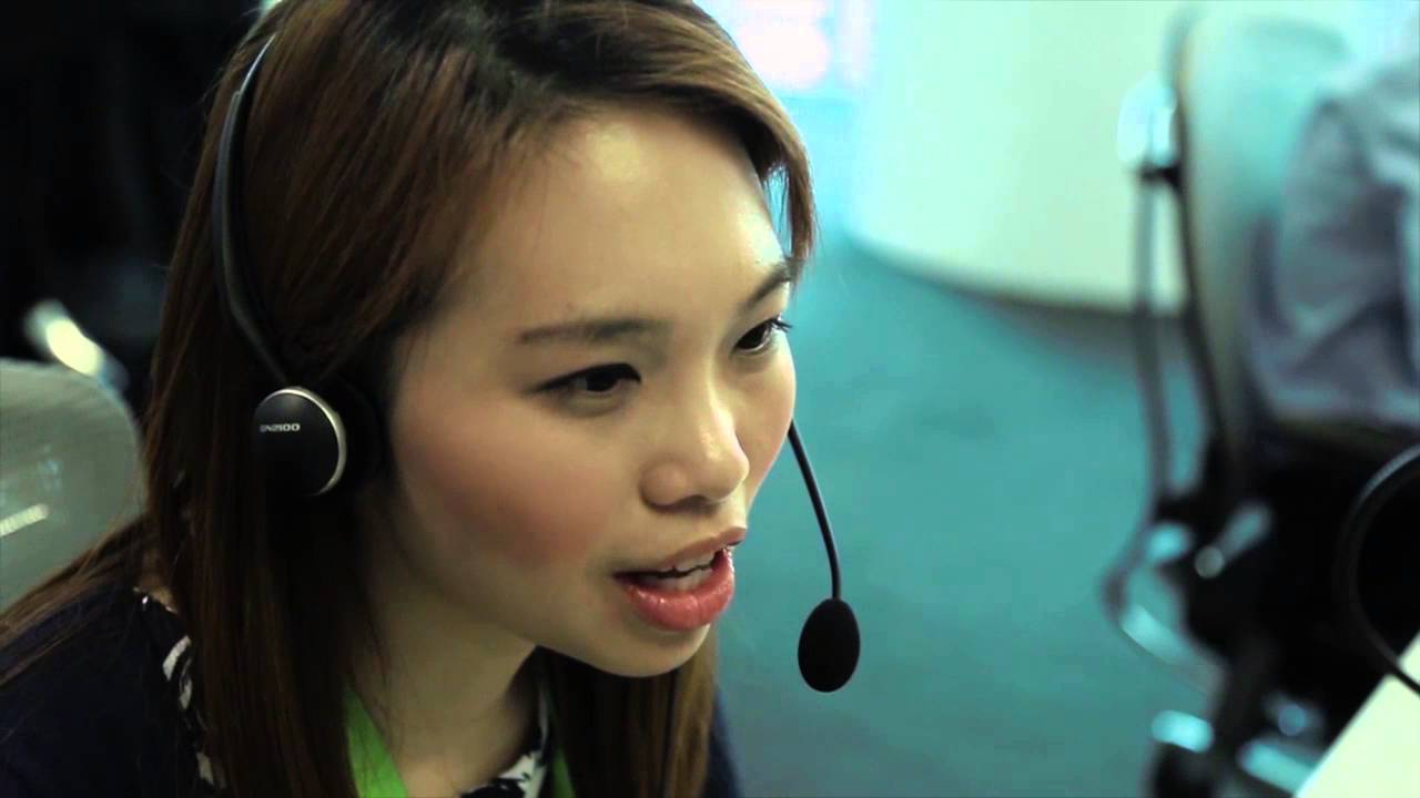 Ming En Shares What It's Like Working in Global Customer Support in  Singapore at Bloomberg