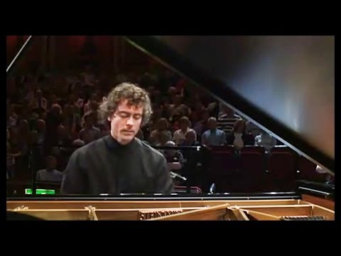 PAUL LEWIS : Beethoven Piano Concerto # 3 in C minor - HALLE ORCHESTRA