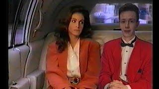 Отрывки из телепрограммы ''Видеоревю с Игорем Жуковым'' в 90-х гг. совмещение телеведущего и фильма