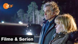 Zum ganzen film: https://kurz.zdf.de/eaur/lucie kann nachts nur noch tot an einer einsamen straße geborgen werden. am unfallort wurde ein auto beobachtet. ve...