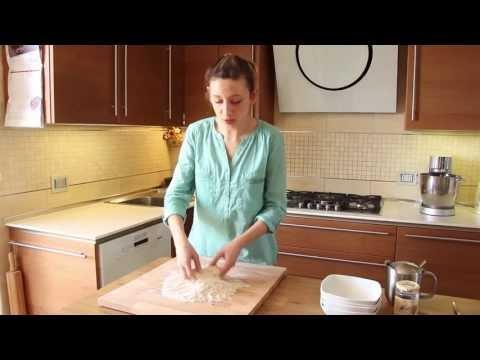 PIADINA FATTA IN CASA Buonissima e Leggera SENZA STRUTTO | Italian Flatbread recipe thumbnail