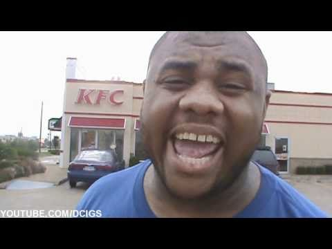 BLACK MAN ANGRY AT KFC @siggas