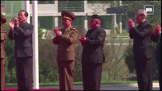 Kim Jong Un invites South's Moon to Pyongyang