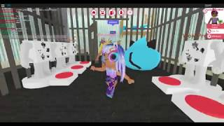 playing roblox with bff giving a house tour at her house