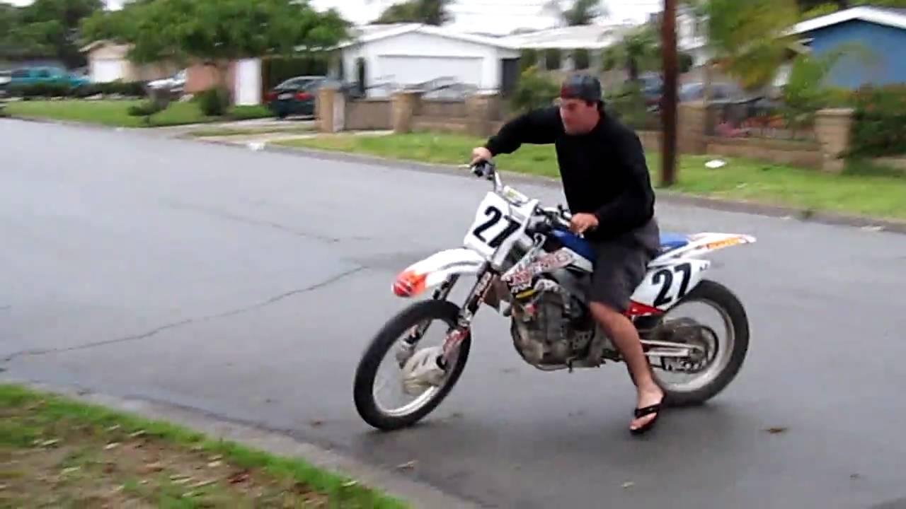 Dirt Bike Johnny Crf 450 Burnout Wheelie 2 Youtube