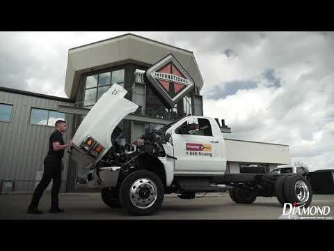 Best Hot Shot Truck? International CV 2019. Chevy Silverado 6500 Medium Duty. HotShot Trucking