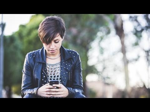 Can Texting Improve A Family's Communication?