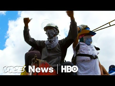 Venezuela Violent Protests & Kabul Blast: VICE News Tonight