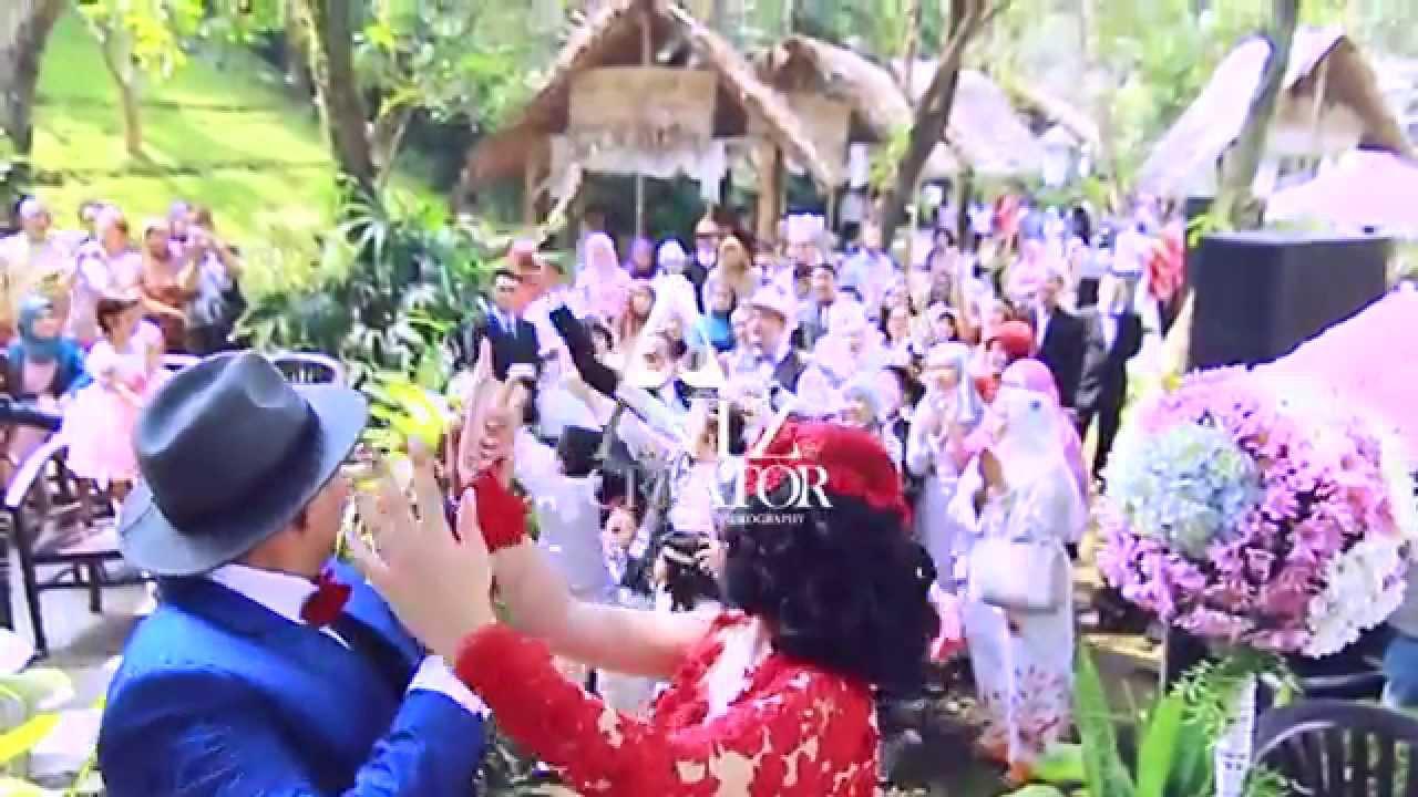 Garden wedding party of bi at taman indie malang youtube garden wedding party of bi at taman indie malang junglespirit Images