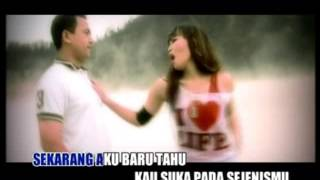 Video Emi Purnamasari   Dilema download MP3, 3GP, MP4, WEBM, AVI, FLV Oktober 2017