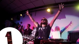 Scott Mills brings fake David Guetta to Aber *Priceless reactions at end*
