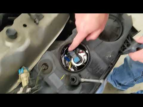 How to replace headlamp connector on a Pontiac 2007 G6