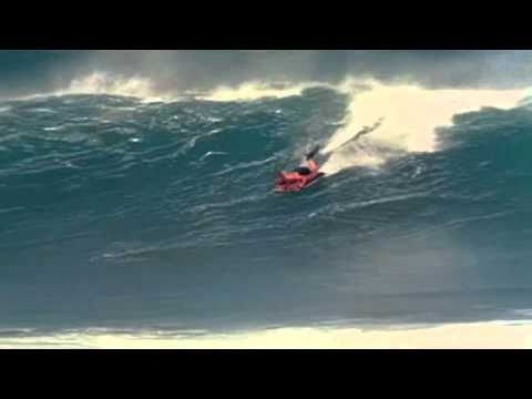 George Greenough Mat Riding on a ConverseHodgman on Maui in 1967!