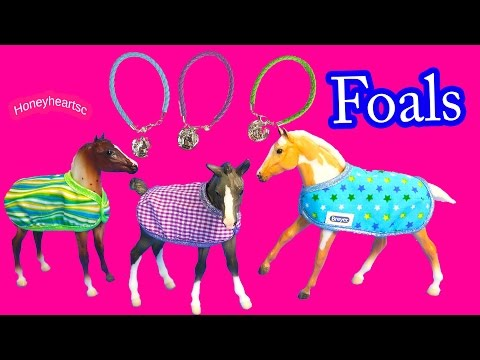 Breyer 2016 Foals Collection Rocky, Scooter, Sweet Pea Set With Charmbracelets - Unboxing Video