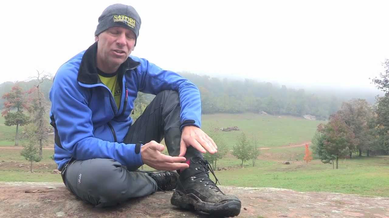 Lowa Mens Renegade GTX Mid Hiking Boot