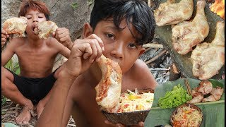 Primitive Technology - Cooking chicken on a rock - eating delicious