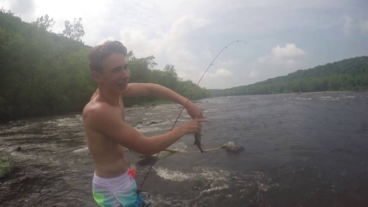 Fishing the delaware river for stripers and small mouth for Delaware river striper fishing