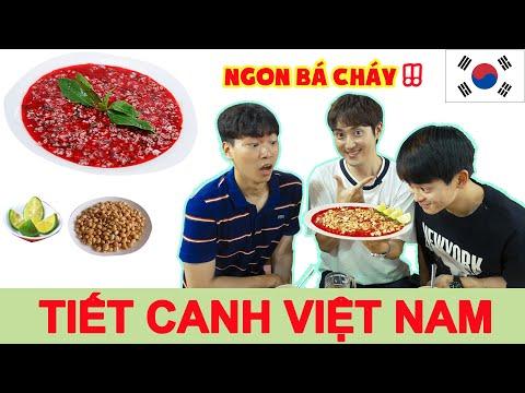 3 chàng trai Hàn Quốc ăn thử và nghiện luôn Tiết canh vịt Việt Nam!!