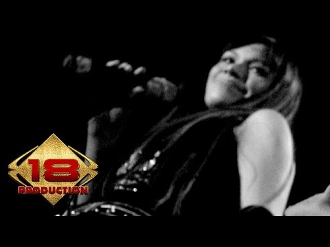 TOFU - Biarkanku Sendiri (Live Konser Sawahlunto Sumatera Barat  23 Juli 2006)