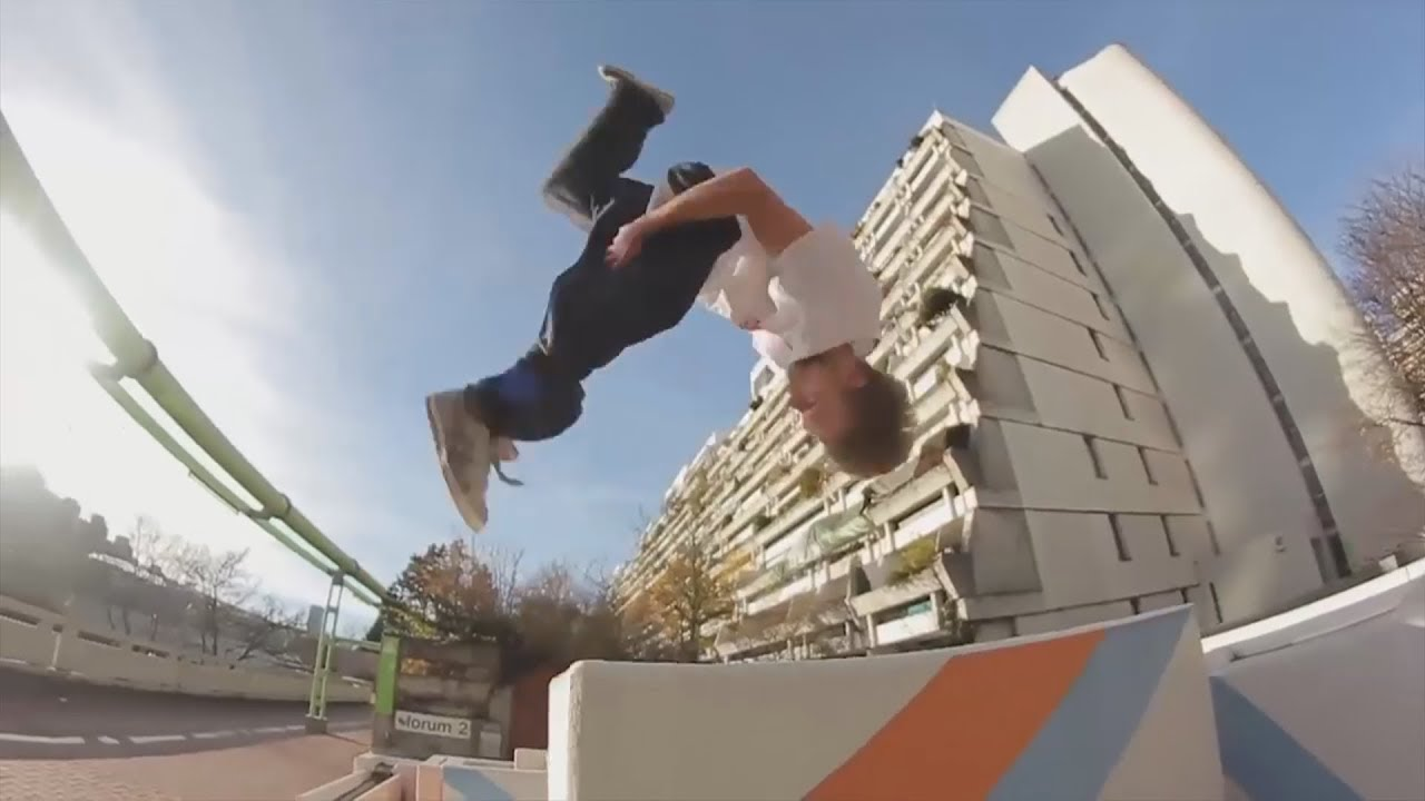 Parkour and Freerunning 2018 - Amazing Moves