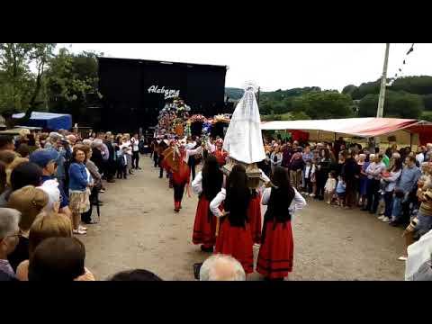Los tradicionales bailes de A Cervela brillan un año más