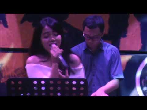 Pupus - Dewa, Cover Song By Lia Magdalena With Glassymusic, Jogja Indonesia