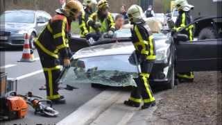 [ONSCENE] Verkeersongeval legervoertuig vs personenwagen ( traffic collision)