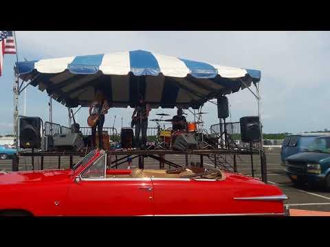 Thornes at Raceway Park Englishtown New Jersey