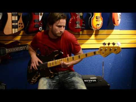 Daniel doing a Quick Vintage VJ74 Icon Jazz Bass Demo