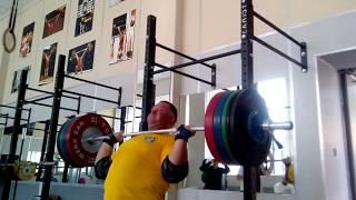 Жимовой привет Михаилу Кокляеву от Александра Клюшева! Alexander Klushev presses 160 kg for reps.