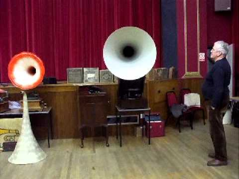 "Gramophone Tests no 26 : ""The EMG MK Xb Plays : ""Pomp & Circumstance March no 1"" (Elgar)"