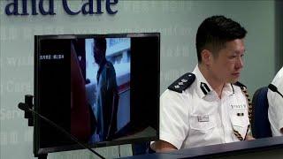 Hong Kong, i manifestanti danno fuoco a un oppositore: il video choc diffuso dalla polizia