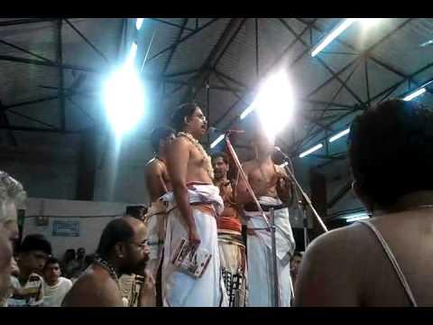006 rama naamam - Divyanaamam by Sri Sattanatha Bgagavathar@ kalpathy Bhajanotsavam 2011