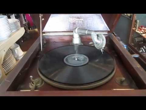 Antique Strativara Wind Up Phonograph Victrola Vintage Record Player NO RESERVE