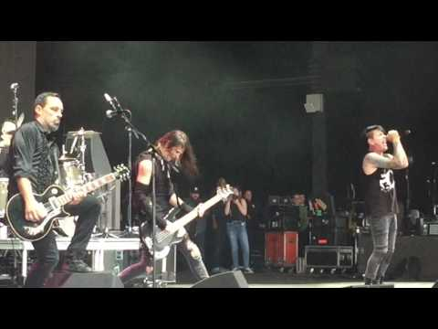 "Stabbing Westward - ""Save Yourself"" LIVE - WKQX Piqniq - Tinley Park, IL - 5-20-17 Chicago"