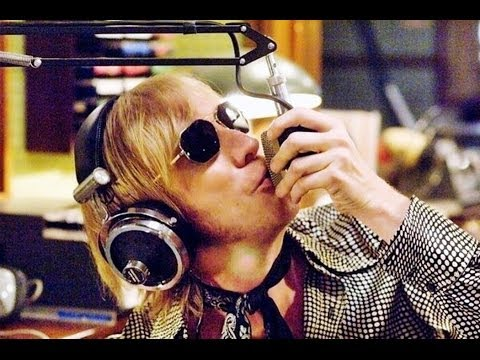 RHYS IFANS AS GAVIN KAVANAGH (PART 1) IN THE BOAT THAT ROCKED