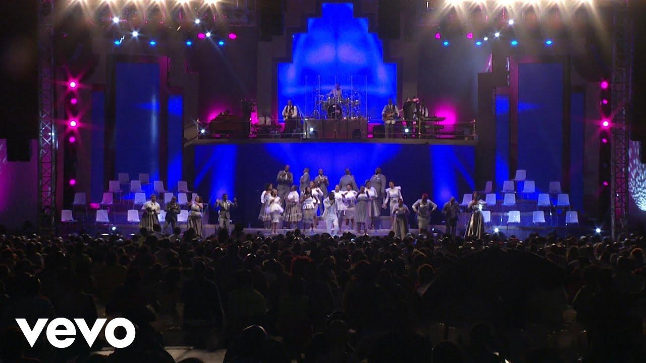 Joyous Celebration Asikho Isikhali Live Youtube