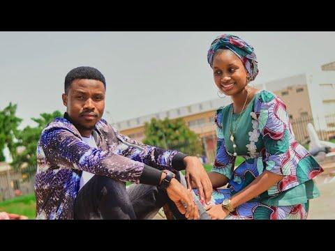 Download Umar M Shareef - Ga Kyauta ( official Music video) featuring Fateema Kinal 2020 latest Hausa Song