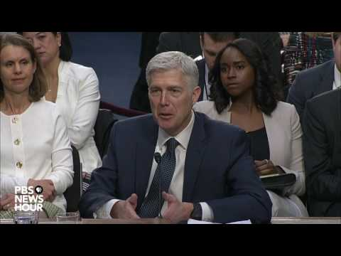 Sen. Patrick Leahy questions Judge Gorsuch about torture