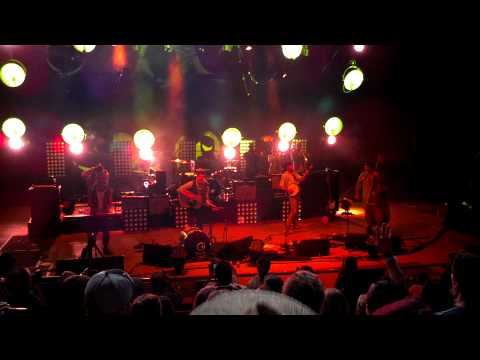 Mumford & Sons - Lovers' Eyes - Live at Red Rocks